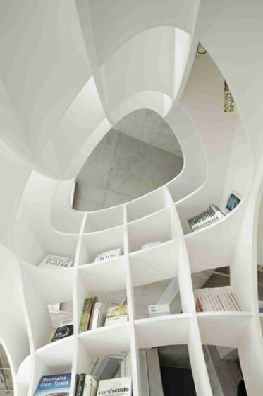 Cave of Books(本の洞窟) (4)