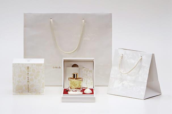 KOSÉ 60周年記念品 香水 (2)
