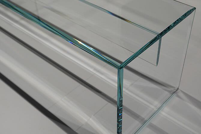 吉岡徳仁「Prism」ベンチ