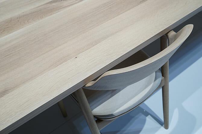MARUNI COLLECTION、「MALTA」深澤直人氏、「HIROSHIMAアームチェアに合う大きなテーブルを」という声がきっかけという