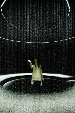 2014年のミラノで一番と評価された「LIGHT is TIME」のDGT.による「LIGHT in WATER」がパリで5月末まで (7)