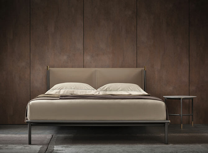 ロドルフォ・ドルドーニのベッド「Iko」(Flou)