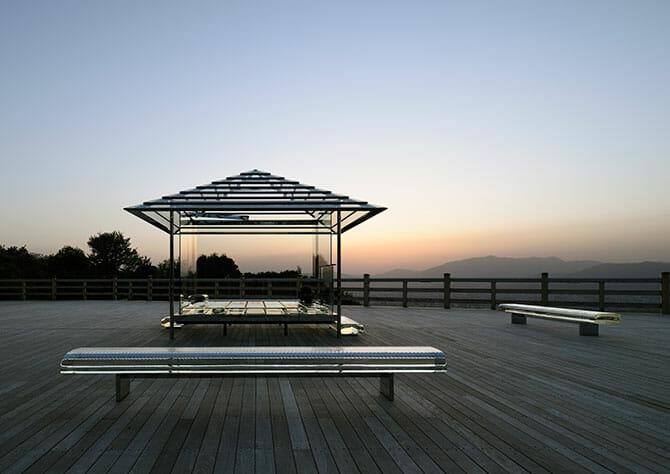 「吉岡徳仁 ガラスの茶室 – 光庵」、京都を一望する大舞台にて