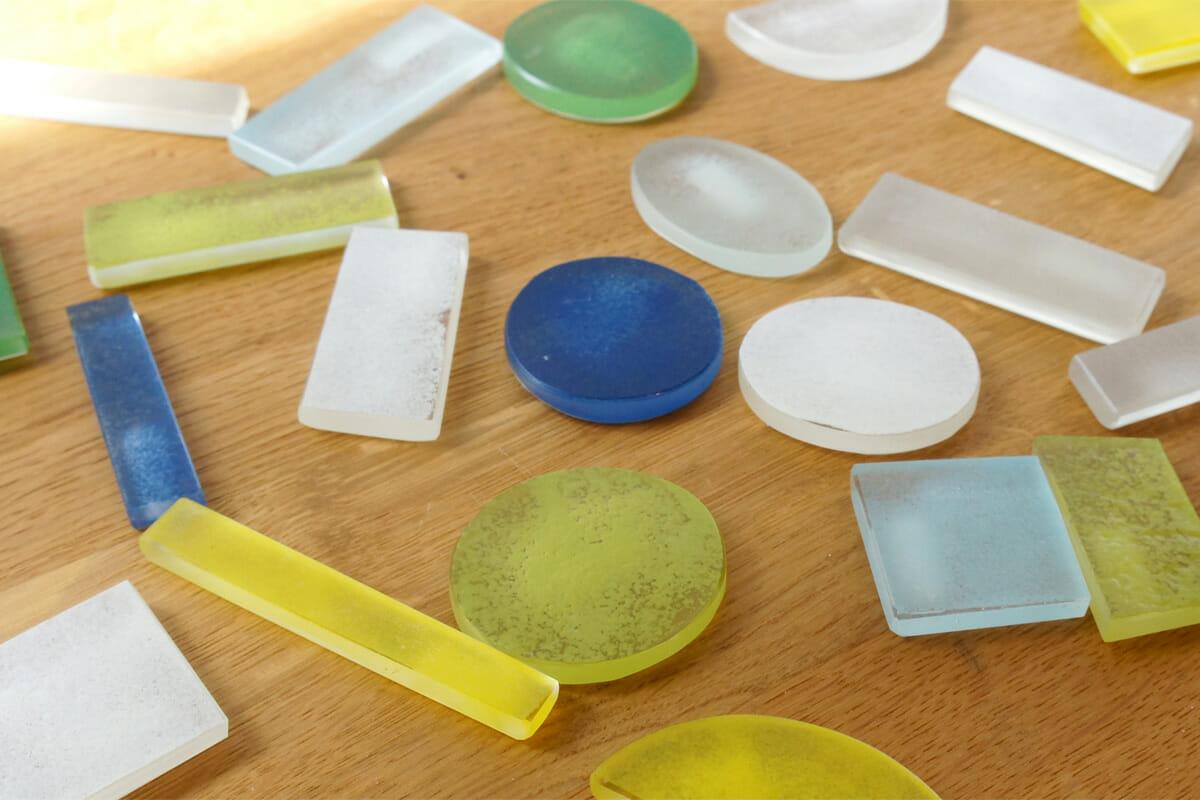 柔らかな味わいを感じる展示「Asako Yagi Exhibition 2015 色合わせを楽しむためのガラス」