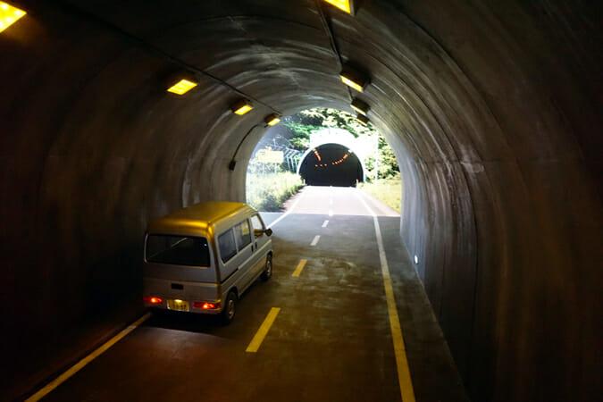 トンネル/レアンドロ・エルリッヒ