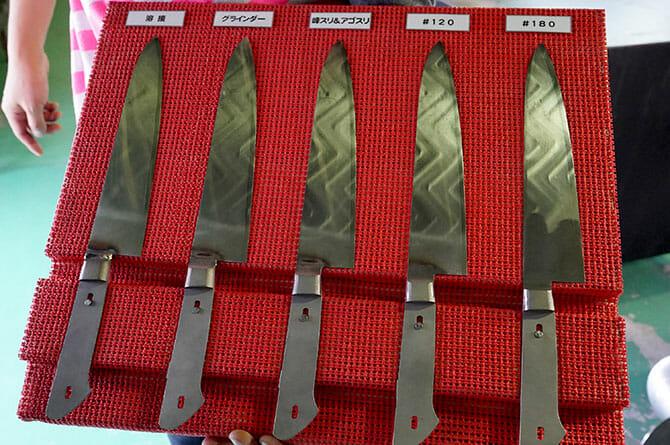 藤次郎にて、刃と柄の仕上げ過程