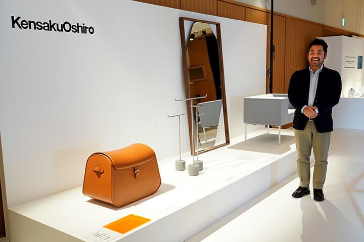 「AnyTokyo 2015」、ミラノに拠点を構えるデザイナー大城健作さんによる展示。自身が手がけた四つのブランドから製品化されたデザインを紹介