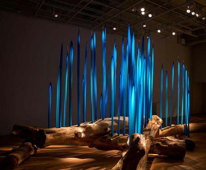 デイル・チフーリ《トヤマ・リーズ》2015年, H323×W424×D549cm, 富山市ガラス美術館所蔵