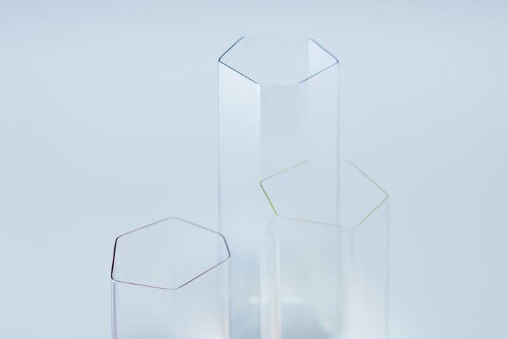 変形多角形による角柱グラス