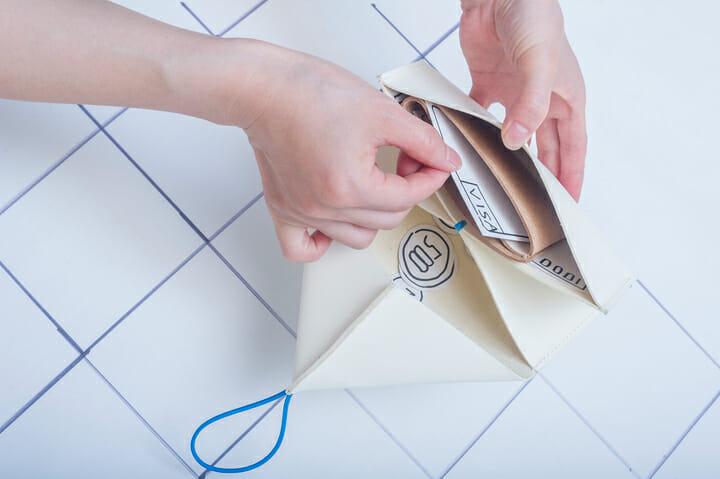 硬貨・カード・紙幣をコンパクトに持ち歩きたい方におすすめ