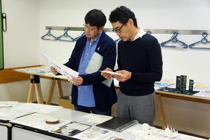 かみの工作所プロデューサー萩原修氏(左)と山田明良代表取締役(右)