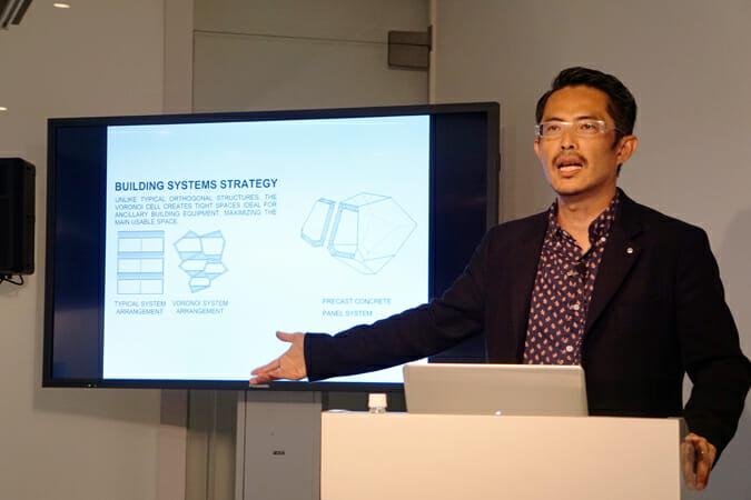 10月30日に行われた、ノイズアーキテクチャーの豊田啓介氏のトークイベント。テーマは「コンピューテーショナルデザインは未来を変えるか?」。ボロノイ図から思考展開し、技術的興味を追求した結果がオーガニックな形状に帰着する事例などを紹介