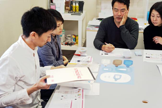 面談では製品コンセプトや展開の仕方などについて意見が交わされた