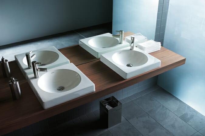 フランク・ハスターのデザインによる 「ARCHITEC」シリーズ、 建築デザインのベーシックな要素である円と四角のインスピレーションの根源