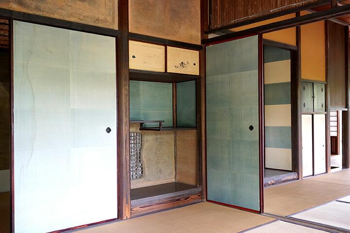 江戸時代に作られた桂離宮のインテリア、収納は建築と一体化し家具は存在しない