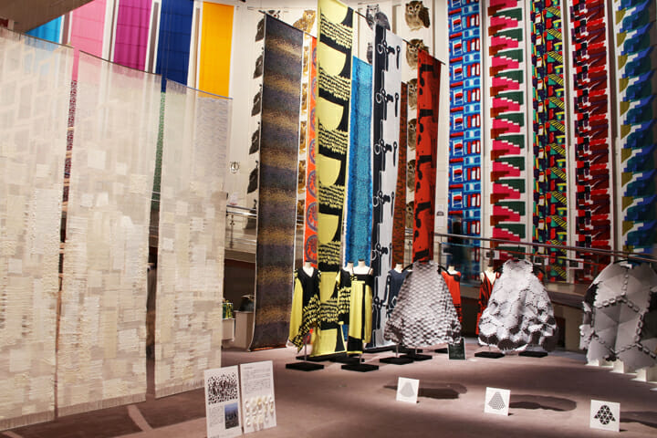 表参道のスパイライルで行われた、「東京造形大学テキスタイル専攻有志卒業・修了制作展2016」の展示風景