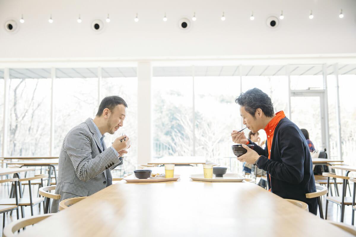 誰かの暮らしを良くすることがデザインの役割とおもしろさ-【特別対談】鈴木マサル×藤森泰司(3)