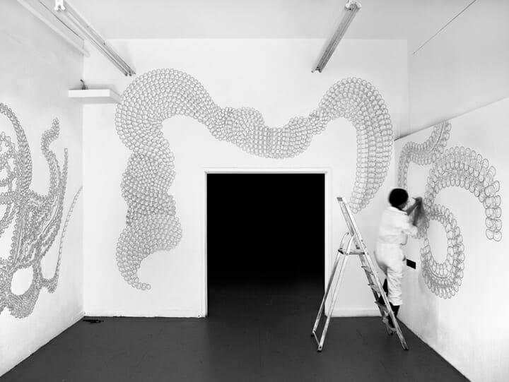 鈴木桃子「Untitled Drawing Project」:パフォーマンス、展示(インスタレーション)