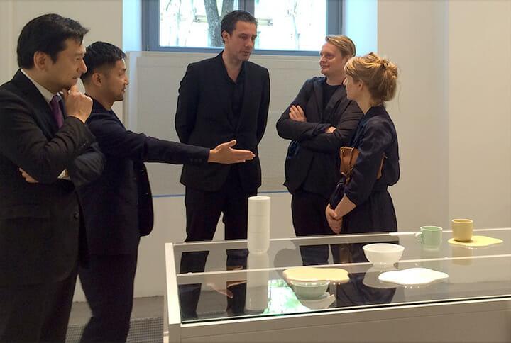 デザイナー自らのプレゼンテーション。左から佐賀県知事の山口祥義氏、柳原照弘氏、Scholten & BaijingsのStefan Scholten氏、TAFの二人