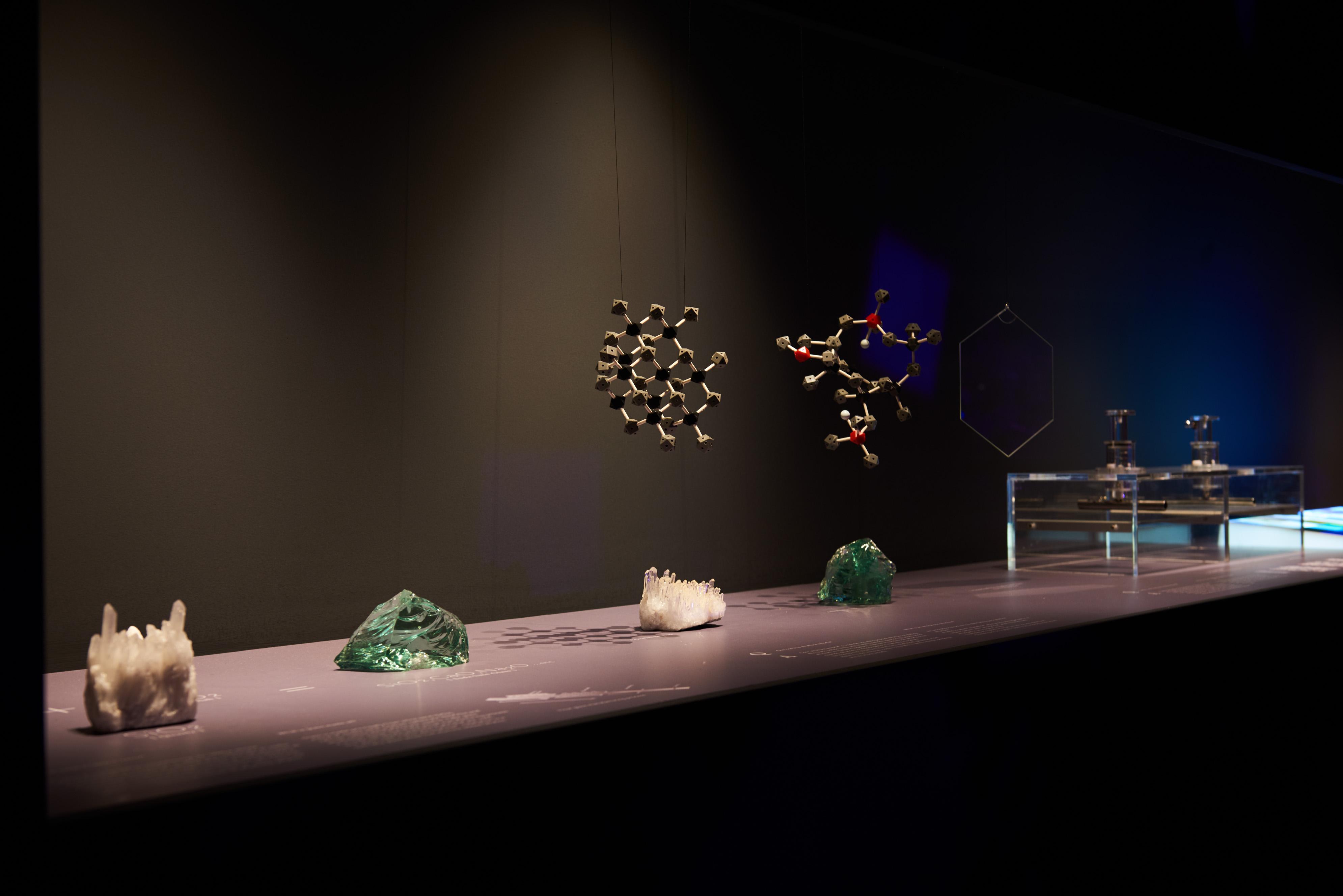 メインのインスタレーション「Amorphous」以外に、「ガラス」という物質や技術について紹介するサイエンスミュージアムも設けられた