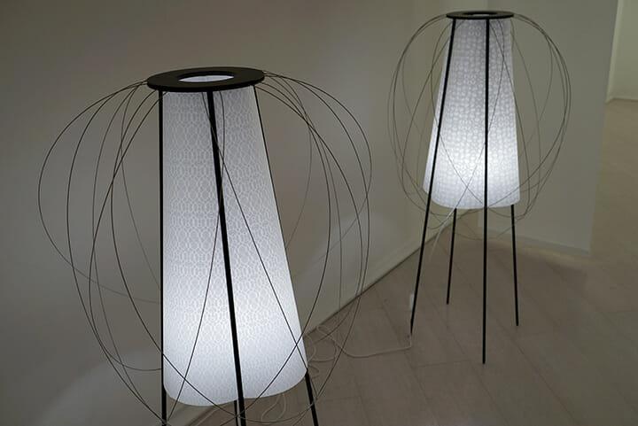高橋理子氏が柄をデザインした美濃和紙を利用した浅野商店の「Minoï Lamp」