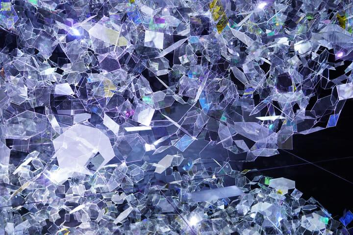 ガラスの「構造そのもの」を提示することで、AGC旭硝子の技術力を見せつけた圧巻のプレゼンテーション