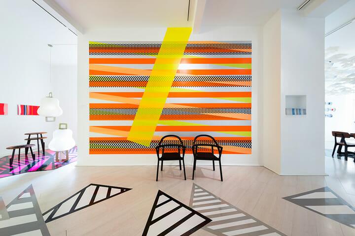 「CASA GIFU」の床や壁を彩るのは株式会社ニトムズのテープ「HARU stuck-on design;」、Photography:Takumi Ota