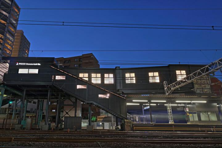 リニューアルした平沼橋駅。今後、各駅の改修スケジュールに合わせて順次リニューアルしていく