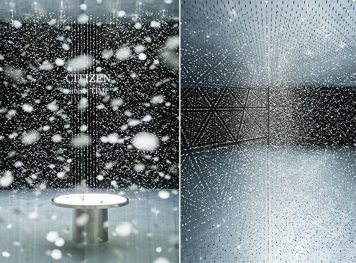 """CITIZEN """"time is TIME""""前回の空間全体の背景は黒だったが、今回は壁のみ黒で床と天井はシルバー。展示空間の形や広さが把握しやすくなった。これが前回と今回の印象の違いの一因にもなっているのだろう。前回が混沌だとするならば、今回は統制ということか"""