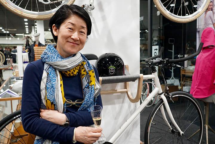 安積朋子氏による自転車フック等を発表したZilioA&C