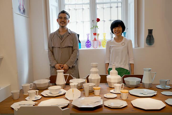 KIGIの植原亮輔氏(左)、渡邉良重氏(右)、ミラノ市内の著名ギャラリーであるロッサーナ・オルランディにて