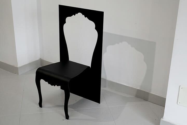 ミラノでの展示が5回目となるYOYは新作2点を含む集大成的な展示をトルトーナ地区で開催