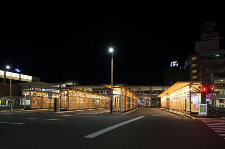 秋田駅西口バスターミナル (2)