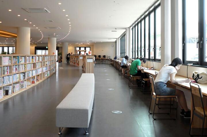 南魚沼市図書館「えきまえ図書館 本の杜」 (5)