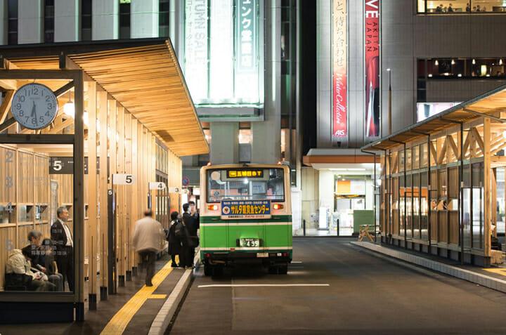 秋田駅西口バスターミナル (3)