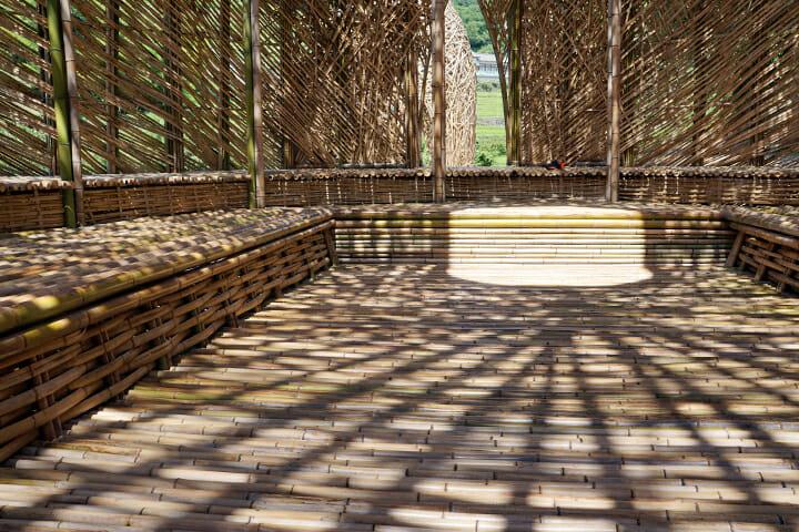 「オリーブの夢」ワン・ウェンチー。中に入ってみると静かで周囲より涼しく感じます