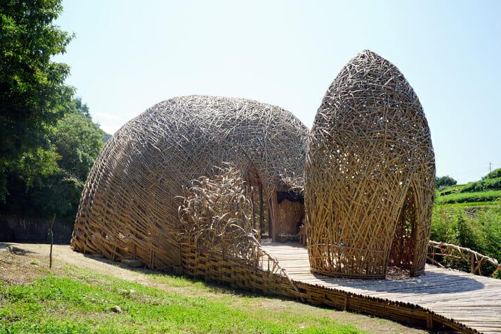 「オリーブの夢」ワン・ウェンチー。地元産の約5000本の竹で構築された巨大ドーム
