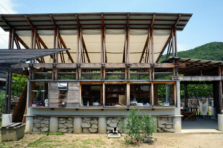 「Umaki camp」ドットアーキテクツ。まちの縁側のような存在