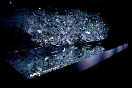Amorphous/ 2016/ AGC Asahi Glass/ Lighting Design: Izumi Okayasu/ Sound Design: Kenta Kamiyama/ Photo: Akihide Mishima