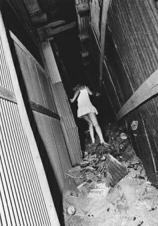 森山大道写真展「仮想都市(シャングリラ)~増殖する断片(ピース)」