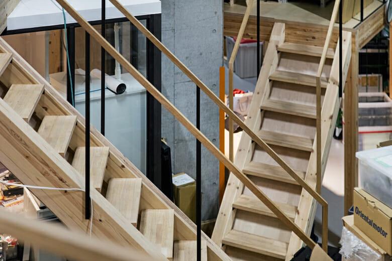 東京・恵比寿にある、多中心的で多視点なライゾマティクスのオフィス。設計は中川エリカ建築設計事務所が担当
