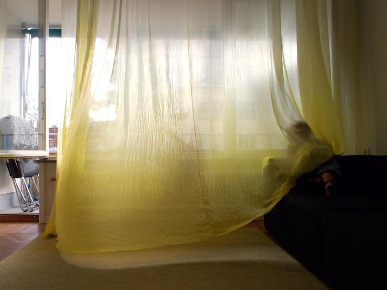 黄色いシルクのカーテン (2)