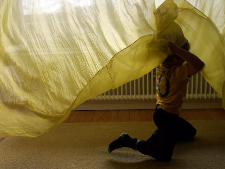 黄色いシルクのカーテン (3)