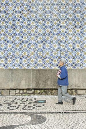 マカオのアズレージョ -ポルトガル生まれのタイルと石畳-展