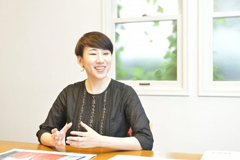 【CSデザイン賞受賞者インタビュー】表現に込めるのは「温かさ」と「上質感」-関本明子(1)