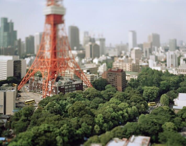 本城直季《 東京タワー 東京 日本 2005》 〈Small Planet〉より 2005年 発色現像方式印画