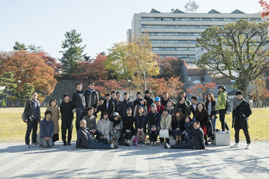 24名の参加者と個性豊かな講師たち