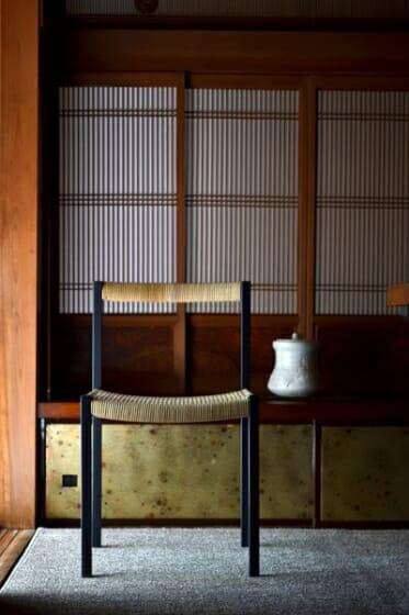 簡素な椅子 (7)