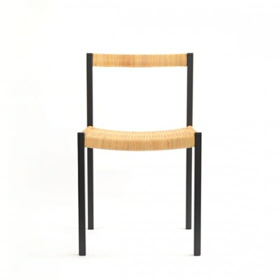 簡素な椅子 (4)