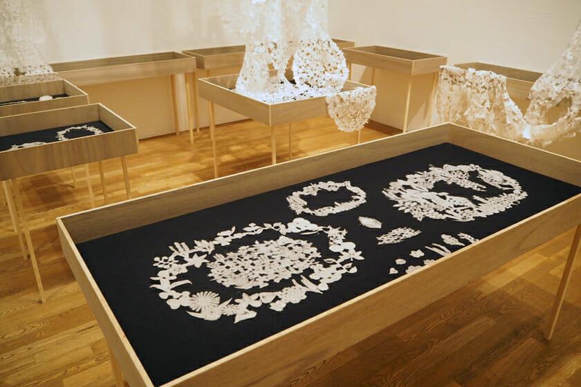 東京藝術大学大学美術館で開催された、卒業・修了作品展での展示。作品名は「kuu」
